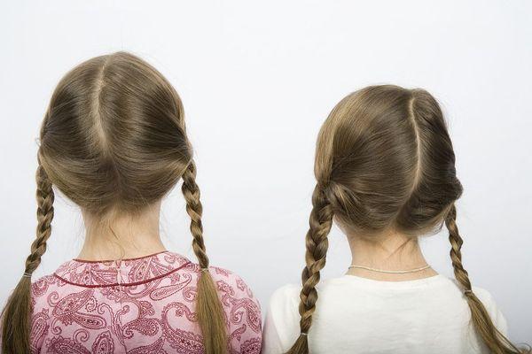 邦奇学生的发型带来甜蜜和复古的风格。