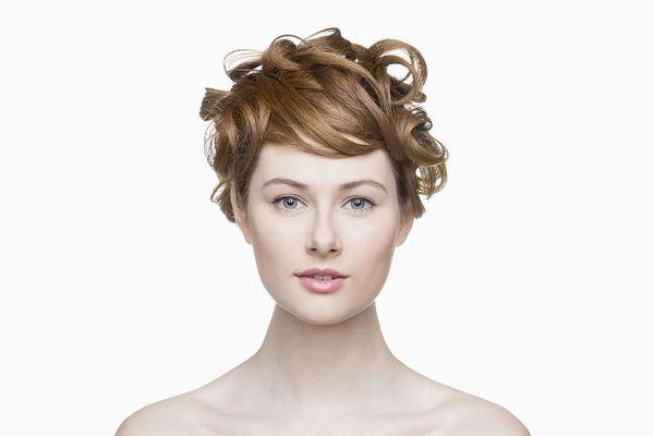 林弯弯最新的发型叫什么 Neutral girl装扮引领少男系