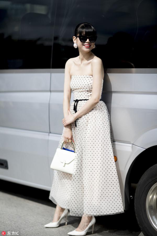 韩国美女西服款大衣搭配法则