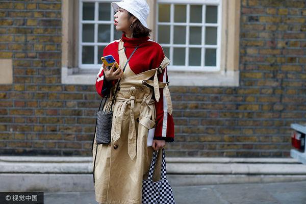 秋装卫衣最百搭 这个秋天时髦就靠它了!